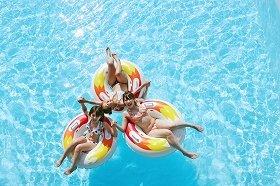 夏はプール!