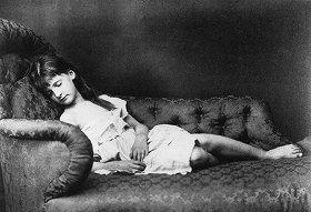 ルイス・キャロルが撮った少女の写真(C)AKG/PPS