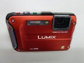 エベレスト挑戦用に特別仕様にした「LUMIX FT3」(エベレスト環境下での動作を保証していない)