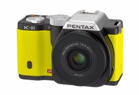 「PENTAX K-01」(ブラック×イエロー)