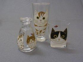 「ユニコア」しょうゆ差し(2730円)、ビールグラス(2415円)、グラス(1890円)
