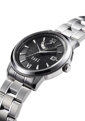 イギリスの老舗高級ブランド「DAKS」から、気品あふれる機械式時計が登場