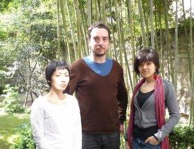 コンサート主催スタッフの須藤さん、ギヨムさん、マイアさんです