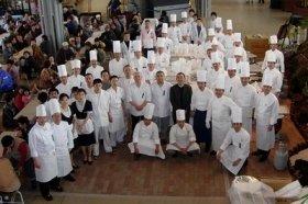 結成当時、新潟で開催した食事会
