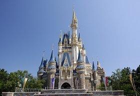 東京ディズニーランド「シンデレラ城」 (C)Disney