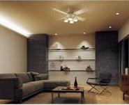 エアコンとの併用で冷房効率が上がる(写真は、マンションでのイメージ)