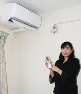 「冷房の風向きは、上向きに設定するか、または上下に動かし、空気をかくはんするのもいいでしょう」(香川さん)