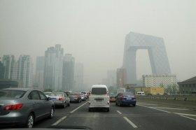 4月30日の北京市内。この日、今年最高の黄砂が記録された