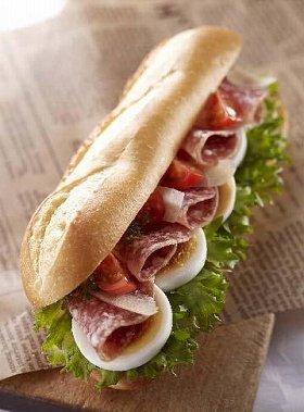 初夏の贅沢なサンドイッチ
