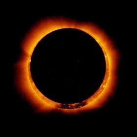 人工衛星「ひので」が撮影した金環日食 (C)JAXA/NAOJ