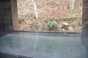 新設された露天風呂「深山の湯」