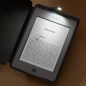 電子書籍普及に向け、出版社側も取り組み(画像は、アマゾン・キンドル)