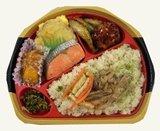 彩り豊かな「きのこ御飯の幕の内弁当」