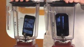 ミキサーに入れられたiPhone5とGalaxy S3。その命運は……