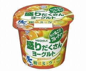 旬のフルーツ入りの冬に食べたいヨーグルト