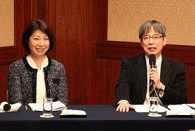 (左)公認スポーツ栄養士・こばたてるみさん(右)能勢博教授