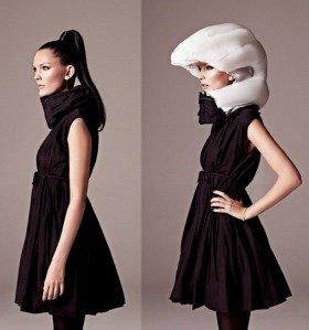 通常時はモードな服装にも合うネックウォーマーのようなデザイン