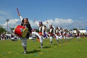 沖縄県うるま市で行われる「エイサー」