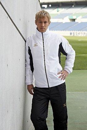 イメージキャラクターはサッカー日本代表、本田圭佑選手