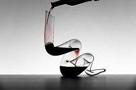 大蛇モチーフの「ボア」。ワインに空気がしっかり含まれる構造