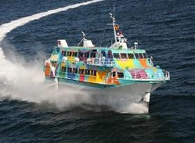 東海汽船の高速ジェット船