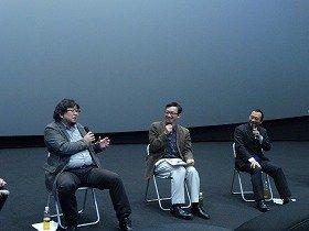 樋口真嗣監督(左)と氷川竜介氏(中央)によるトークショー