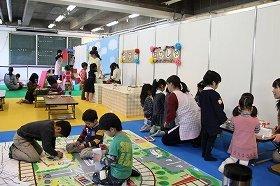 子どもの将来につながる遊びには、親の関わり方と遊び道具がポイント