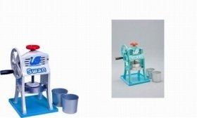 業務用の手動式氷削機を小型化した「本格派」