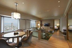 ヒルトン大阪が改装した客室を公開