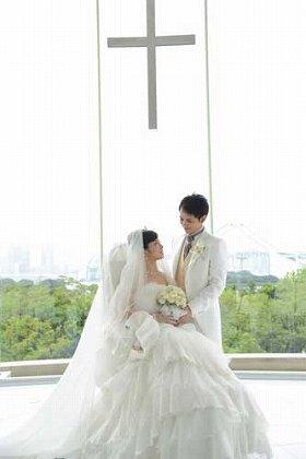 日本初!ドレスを纏った車椅子で挙式できるプラン ホテル日航東京『Universal Wedding』発売