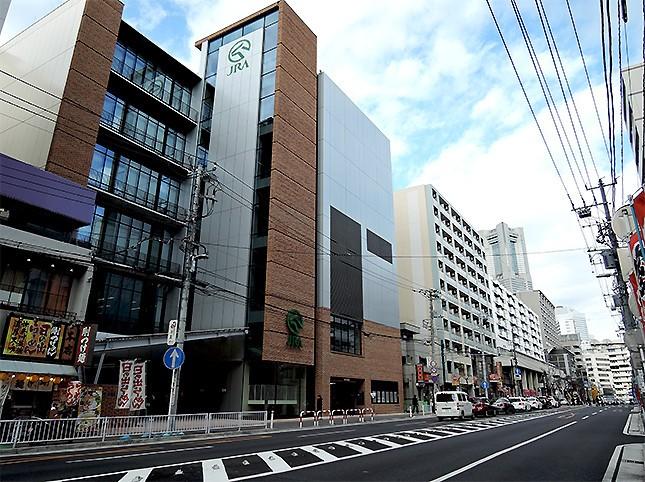 外壁はレンガ調。横浜のイメージにピッタリだ