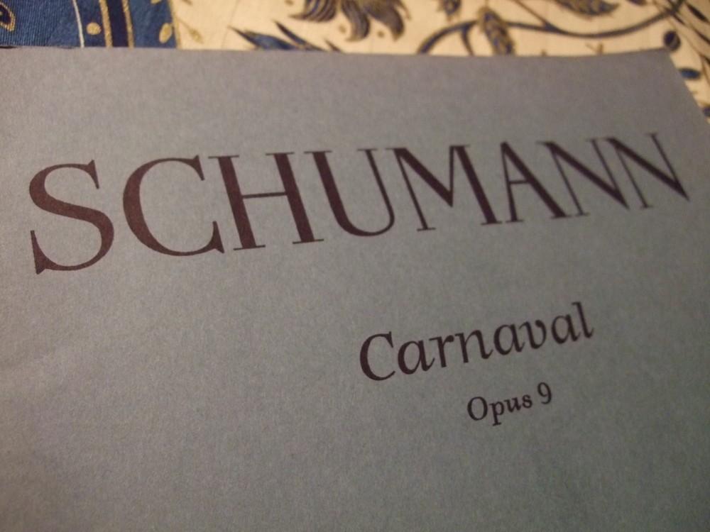 欧米の2月はカーニヴァルシーズン ロマン派青年シューマンの遊び心あふれる「謝肉祭」