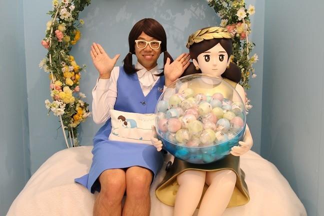 フチ子&奇譚クラブ広報の「シキ子」さん 会社の了承を得ず勝手に女装してPR活動を展開中