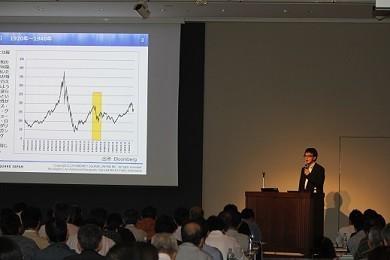 現役ファンドマネジャーの西山孝四郎氏は「注目は、米大統領選」とみる(M2Jの「株価指数CFDセミナー」で)