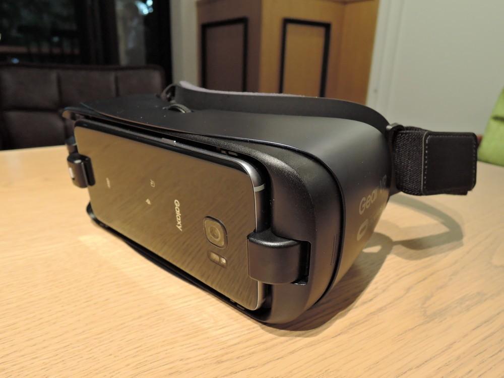 新型「Galaxy Gear VR」