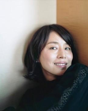 石田ゆり子「20代の頃より今の自分の方が好き」 「FRaU」で語った「人生観」