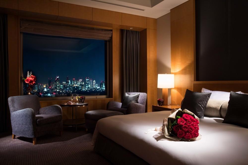 セルリアンタワー東急ホテル、スイートルームにバラとシャンパンを用意した「Sweet Suite Stay Plan」発売
