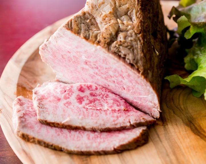 ローストビーフや生ハム「食べ放題」 鹿角牛が自慢の「麻布肉バル CICCIO」