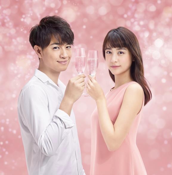 山本美月と斎藤工、宝酒造のスパークリング清酒「澪」新イメージキャラクターに就任