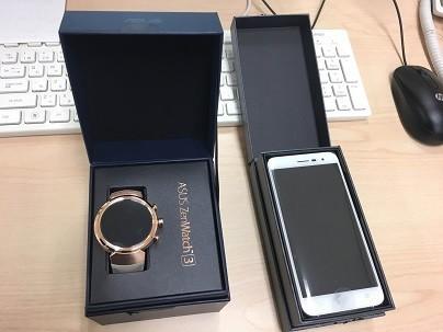 「ZenWatch 3」と「ZenFone 3」のパッケージ