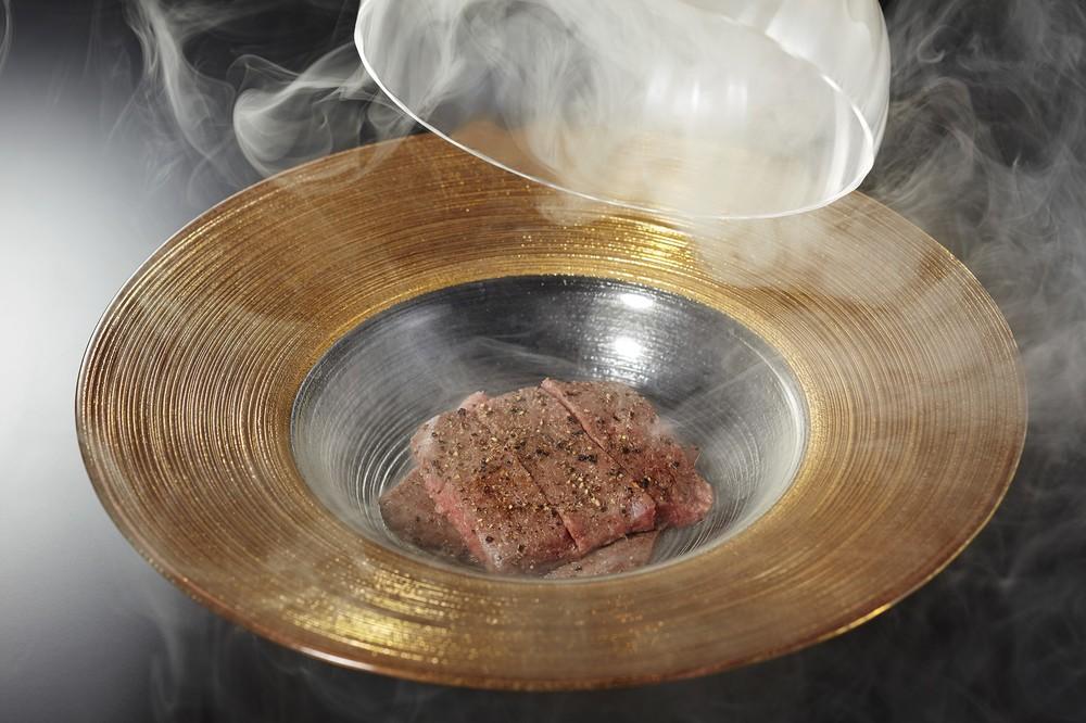 西麻布 けんしろう 高森和牛赤身肉のけんしろう焼き