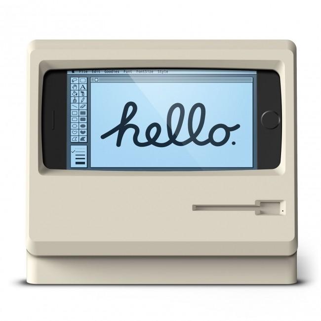 オールドMacのようなレトロデザイン iPhone充電スタンド「M4 STAND」