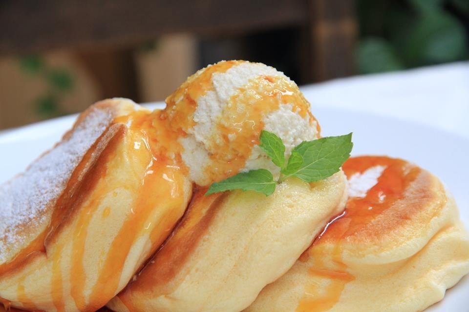 行列のできるふわふわパンケーキ専門店「幸せのパンケーキ」 心斎橋店オープン