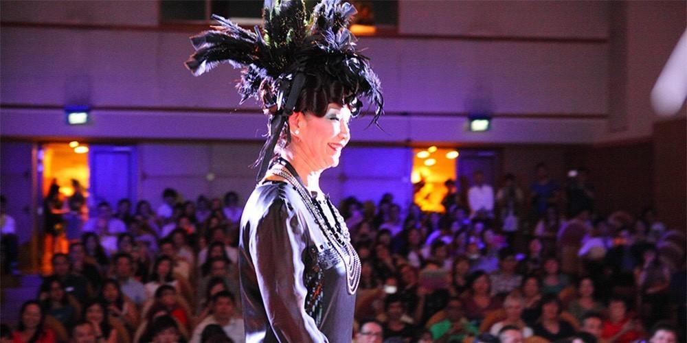世界一、高齢者が美しい国になろう シルバーエイジがモデルのショー開催