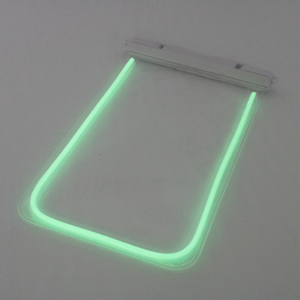 暗闇で光る蓄光素材採用モデルも IPX8取得のスマホ防水ケース