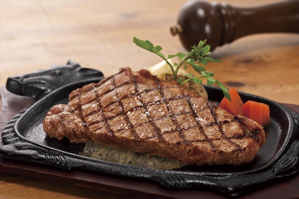 【恒例】ステーキ食べ放題 「フォルクス」「ステーキのどん」で100分1本勝負