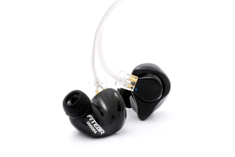 耳型採取不要のユニバーサルタイプ 装着感と音質を両立したイヤホン「FitEar Universal」