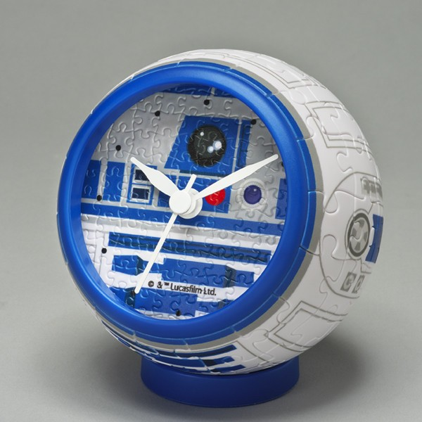 完成するとスター・ウォーズの「R2-D2」卓上時計になる3Dパズル