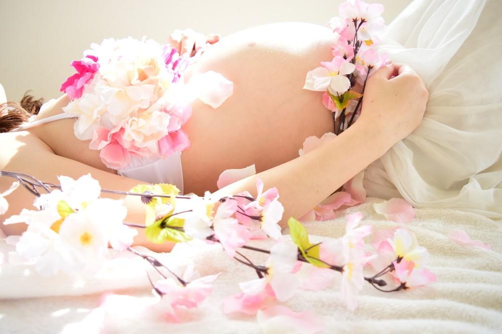 妊婦の「マタニティ・授乳フォト」見たくない 「SNS投稿」やめて!