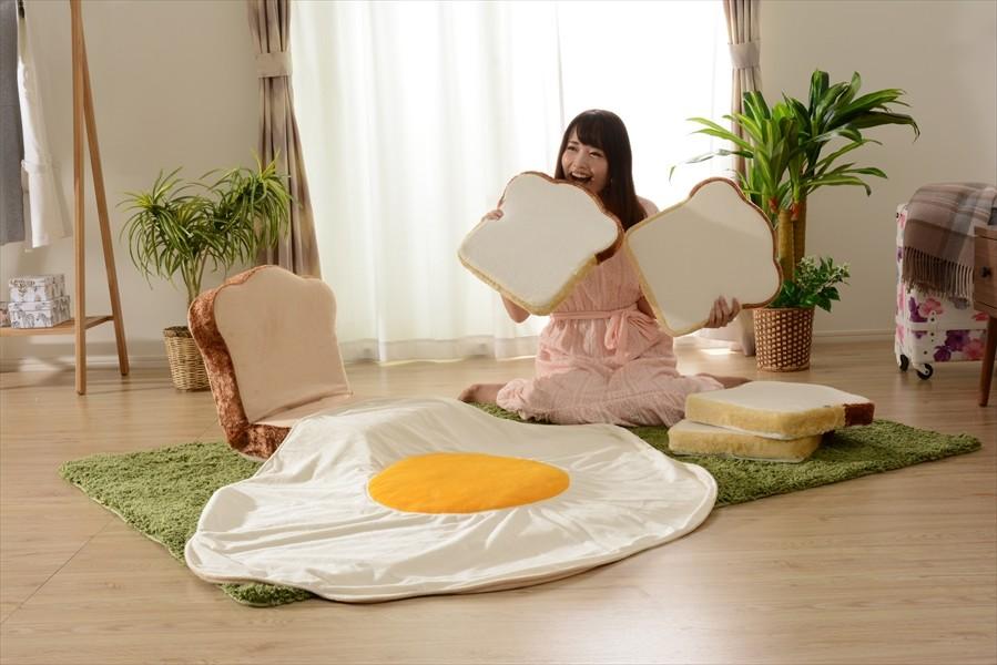 これは買うしか!夢の「食パン福袋」 「食パン」座椅子に「食パン」クッション...